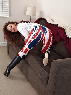 Sexy Milf in Boots Pictures
