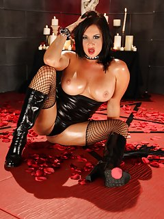 Sexy Latex Milf Pictures