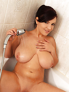 Huge Boobs in Shower Pictures